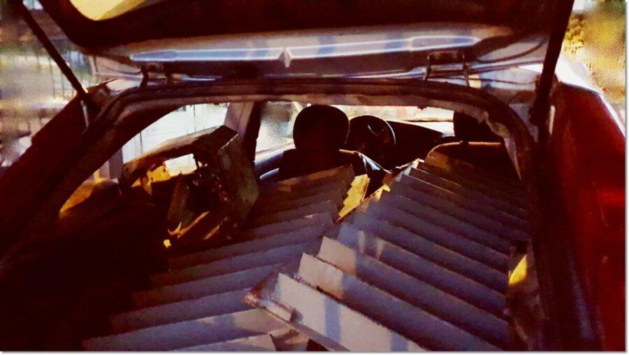 Η γέφυρα του τρόμου» στη Θήβα: 12 συλλήψεις μετά την έφοδο των αστυνομικών στον καταυλισμό των Ρομά (φωτο)